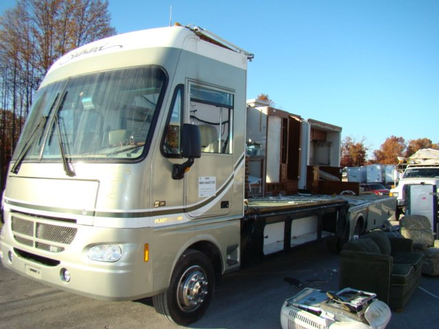 2004 SOUTHWIND 32V BY FLEETWOOD PARTS-SELL WHOLE OR PART OUT Used RV Parts