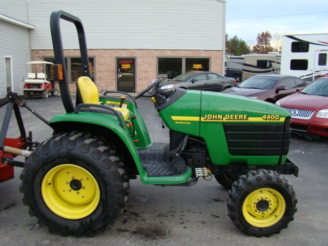 used rv parts john deere 4400 series 4x4 tractor with a 6ft bush hog John Deere 4440 john deere 4400 series 4x4 tractor with a 6ft bush hog finish mower used rv parts