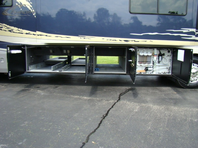 2005 TSUNAMI 41-1/2FT 4 SLIDE MOTORHOME BY FOREST RIVER.MODEL 4104 QS Used RV Parts