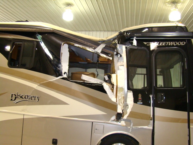 Full Wall Slide Dry Bath Camper: Used RV Parts 2007 FLEETWOOD DISCOVERY 39V 39FT 2-SLIDE