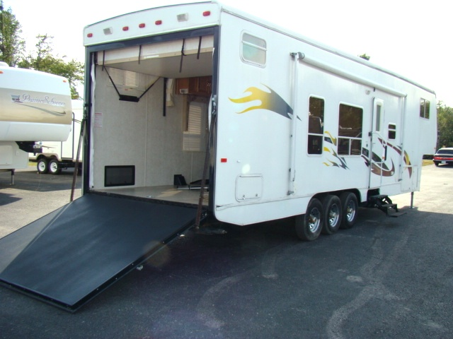 FIFTHWHEEL TOY HAULER FOR SALE USED 2004 RAGEN 36FT
