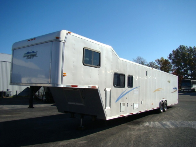 2004 RACE CAR HAULER WITH LIVING QUARTERS 44FT INCLOSED GOOSENECK TRAILER Used RV Parts
