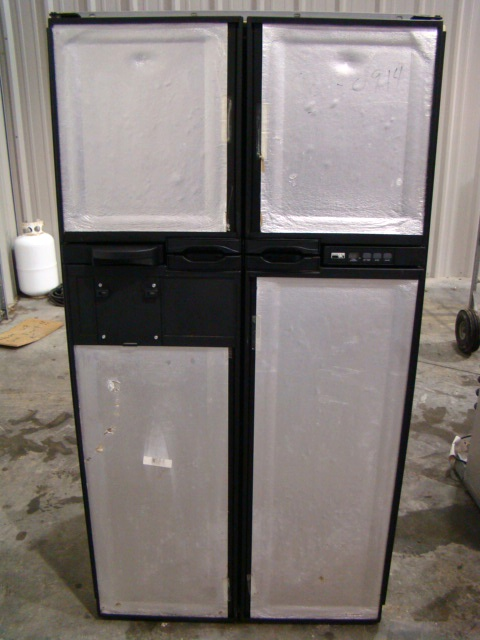 NORCOLD 12101MD FOR SALE 4-DOOR RV REFRIGERATOR Used RV Parts