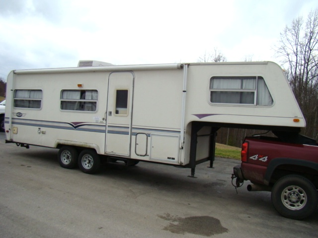 1997 AEROLITE FIFTHWHEEL FOR SALE - COMPLETE OR PARTS Used RV Parts